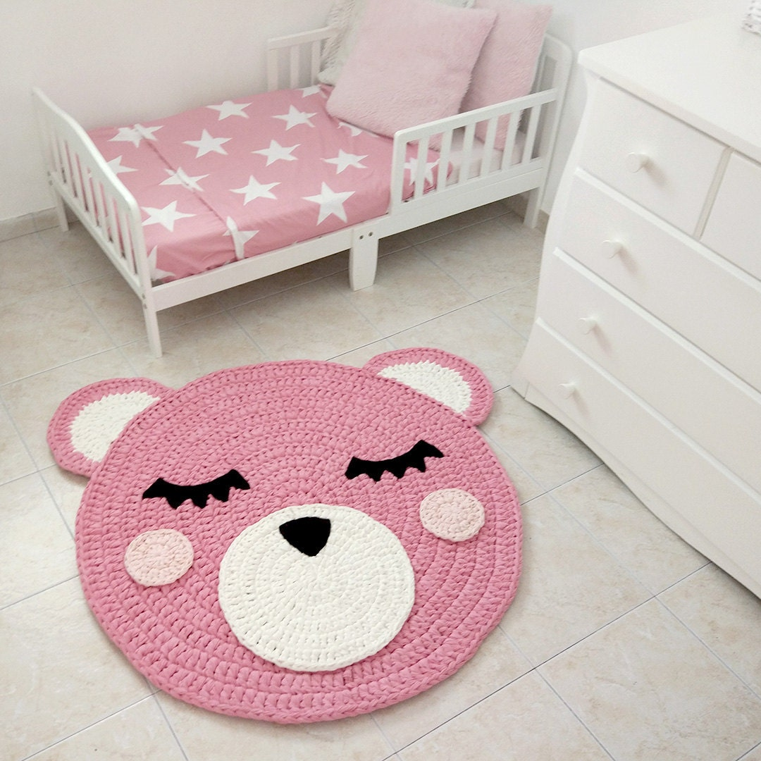 bear crochet rug bear rug handmade crochet rug kids rug. Black Bedroom Furniture Sets. Home Design Ideas