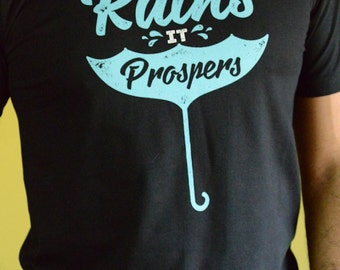Premium 100% Organic Cotton T-shirt - When it rains it prospers - BLACK
