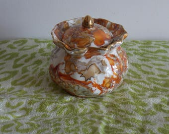 An Excellent lidded sugar pot made by Jane Yates.