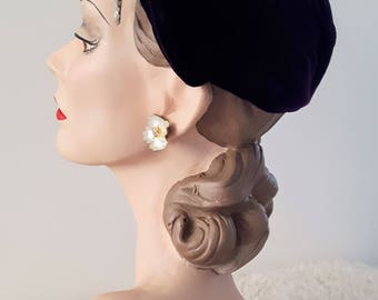 Vintage 1930's Purple Velvet Dutch Cap Hat With Sequin Decorative | Vintage 1930's Hat | Vintage Hat | Vintage Cloche |