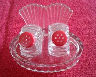 Little glass shakers with glass tray Salt and Pepper Collectibles