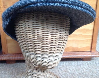 Traditional Harris tweed vintage flat cap. Newsboy woollen mix cap, peak cap, golf cap or ivy cap,Peaky Blinders style. Suits any occasion .