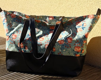 Weekend bag faux black leather and flowers