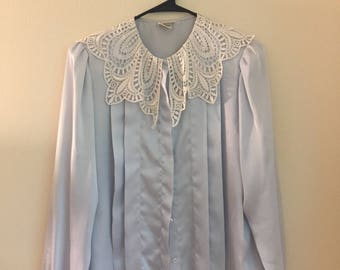 Vintage shirt with Lace Detail