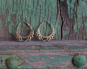 Earrings Brass Hoops Lotus / Boucles d'oreilles Créoles Lotus en Laiton
