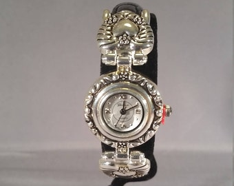 VICTORIAN TIME PIECE