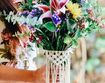 Personalized Wedding Bouquet Wrap / Bouquet Holder / Flower Wrap / Macrame Bouquet Holder