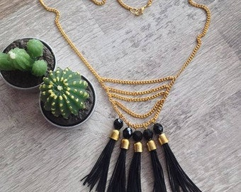 Necklace with pretty brushes