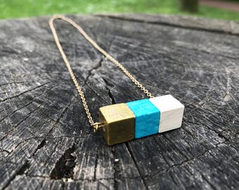Color Festival Necklace | Gold Light-blue White Wooden cubes