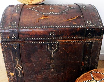 Great 70's vintage brown leather trunk