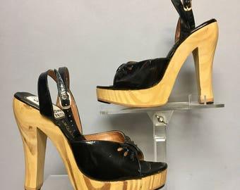 """DEADSTOCK 70s BLACK Ankle Strap Shoes, Vintage 1970's Wooden PLATFORMS, 5"""" High Heels, Size 5"""