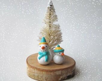 Tiny Winter Snowmen Decoration