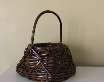 Vintage tapered flat bottom egg gathering basket handwoven dark brown twig handled rustic farmhouse home accent