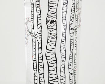 Mom Birch Tree Glassware - Single Personalized Birch Trees Glass with Spring Blossoms, Mother's Day Gift, Mothers day gift, gift for her