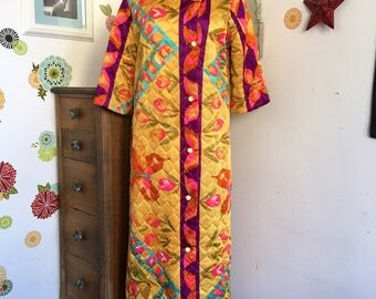 Vintage Quilted Robe, Groovy Floral Print Cover Up Housecoat, 1960's Gypsy Bohemian