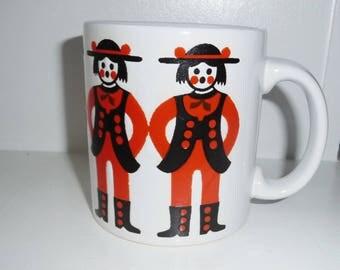 Waechtersbach Mug- Mid Century Pottery- Kitschy Folk Ladies- Orange Black Design- White Ceramic Coffee Mug- West Germany- MC Mug- 12 fl oz
