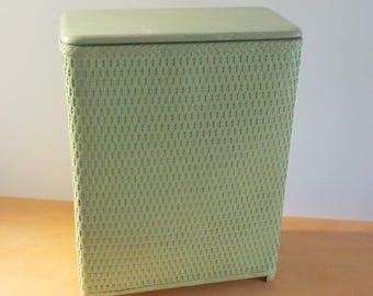 Vintage Mid Century Laundry Hamper • 1950s Mint Green Laundry Basket • Vintage Woven Clothes Basket
