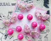 She Sells Seashells Jumbo handmade sparkly pink confetti lucite style 1940's 50's inspired hot pink cherry brooch