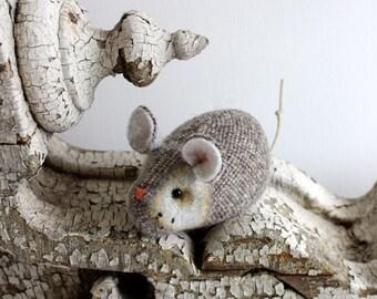Pocket Mouse -  Oat Tweed