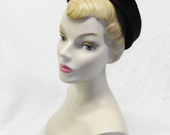 1950s Vintage Black Velvet Square Pllbox Hat with Big Bow