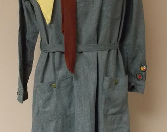 Vintage 1930s Girl Scout uniform dress, green button front, patches, scarf, certificate card