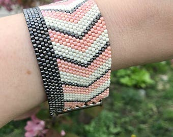Chevron Striped Peyote Bracelet  In Peach, Charcoal and Cream