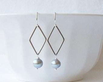 Gray freshwater Pearl Dangle Earrings, Grey Pearl Earrings, Gray Pearl Earrings, Gifts under 20