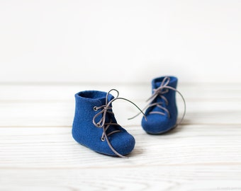 Merino wool booties Boy's slippers Newborn royal blue ankle boots Felted eco friendly shoes Baby's first gift Laced shoes Baby shower gift