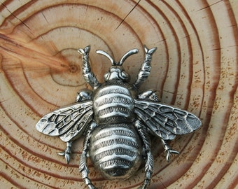 Silver bumble bee brooch pin - Large bumble bee brooch - Bumble bee pin - bumble bee brooch - Bee brooch - Large bee brooch - Silver brooch