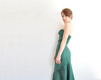 hunter green 1940 style starlet gown . strapless sweetheart dress . flared mermaid skirt .small