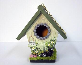 Spring Mini Birdhouse with Black Kitten