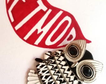 Retro Vintage Black & White Segmented Metal Owl Brooch