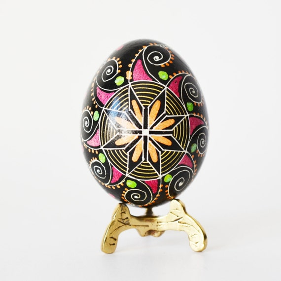 Traditional Ukrainian Easter egg Pysanka hand painted batik ornament classic gifts on Easter personalized it with no extra cost put mom name