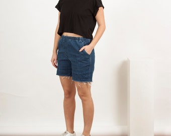 Raw Edge Denim Shorts / Vintage Comfy Cotton Shorts / Retro Destroyed Shorts