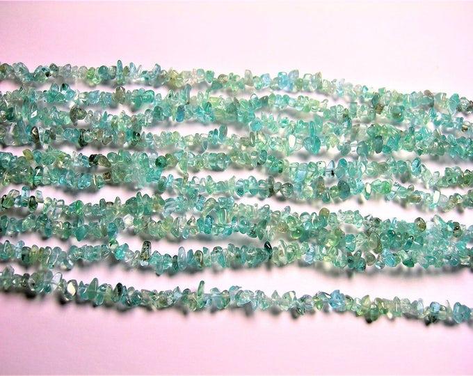 Apatite gemstone chip stone -  A quality - 34 inch strand - PSC338