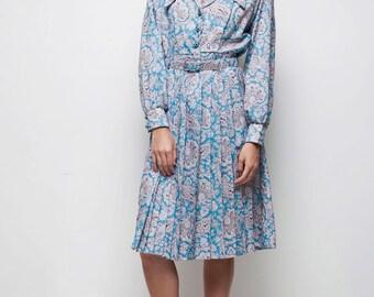 SALE vintage 70s blue paisley print belted pleated shirtwaist dress LARGE L long sleeves knee length