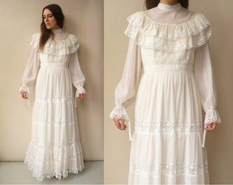 1970's Vintage Victorian Style Lace & Net Bohemian Wedding Maxi Dress Size Medium