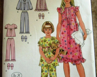 Little Girls Pajamas, Nightgown and Slippers Sizes 3 4 5 6 Simplicity Pattern 2831 UNCUT