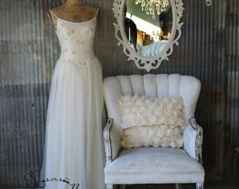 S W I R L Y, Baroque White Mirror, Hollywood Regency Mirror, Fancy Mirror, Oval Miror