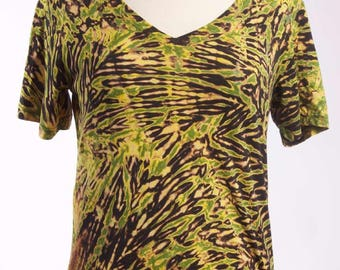 L Shibori Women's V-Neck Boho Hand Dyed Tie Dye Green Tiger Large