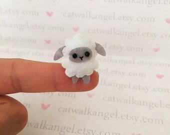 Felt Miniature - Felted Miniature lamb - Felted lamb - white girly lamb felted miniature - sheep miniature - tiny lamb - felted sheep