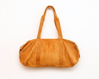 The Weekender Bag in Suede Brown | The Brown Leather Traveler's Bag | Unisex Travel Bag in Classic Suede Brown