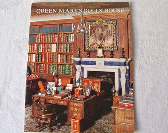Vintage Queen Mary's Dolls House Souvenir Booklet Windsor Castle England 1975 Travel Guide Booklet