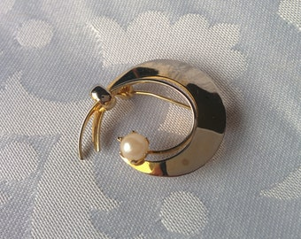 Gold Tone Genuine Pearl Brooch, Freshwater Pearl Brooch, Gold Brooch
