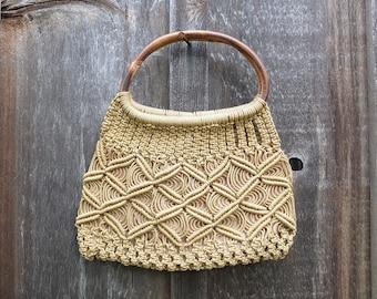 Vintage Macrame Bamboo Handled Purse / Summer Purse / Vintage Purse