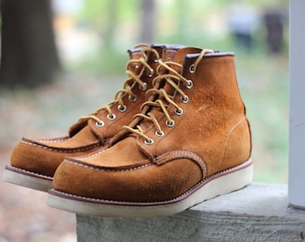 Lovely rough out model 4524 suede moc toe work boot by Red Wing - USA Made, size 9 1/2 - check measurements