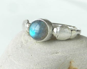 Labradorite Sterling Ring, Blue Flash Stone, Silver 925 Ring, Handcrafted Silversmith Made, Hammer Forged Band, Blue Cabochon, New SS Ring