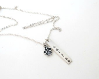 Personalized Bar Necklace with Paw - Dogs Necklace - Cat Jewelry - Pet Loss - Dog Name - Cat Name - Personalized Jewelry - Engraved Necklace