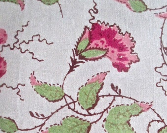 1952 Vintage Cotton Wild Roses on Cream Fabric  2 by 1 Yd Tag