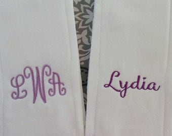Set of 2 Monogrammed Burp Cloths- newborns, babies, baby shower gift, personalized baby gift